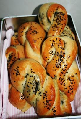 Bjudbröd med olivfyllning (Acma, pirog)