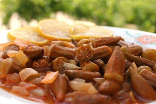 Ockra gryta (Bamya)