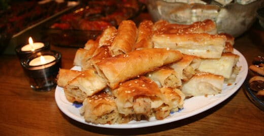 Turkisk börek med potatisfyllning