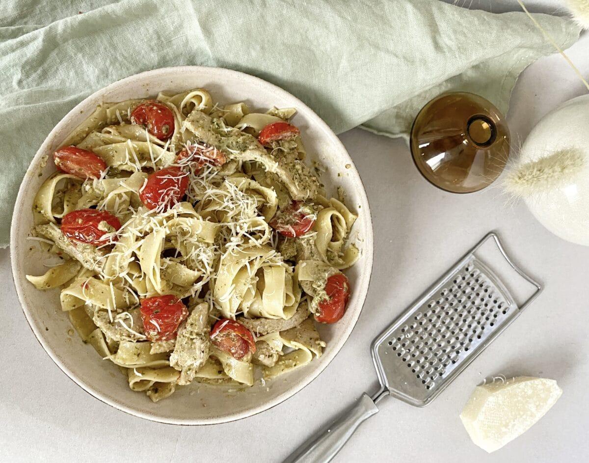 Krämig pasta pesto med kyckling